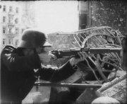 żołnierz biorący udział w Powstaniu Warszawskim
