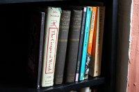 Półka z ksiązkami